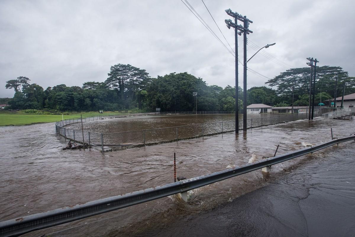 Гавайи готовятся к тропическому шторму Лейн