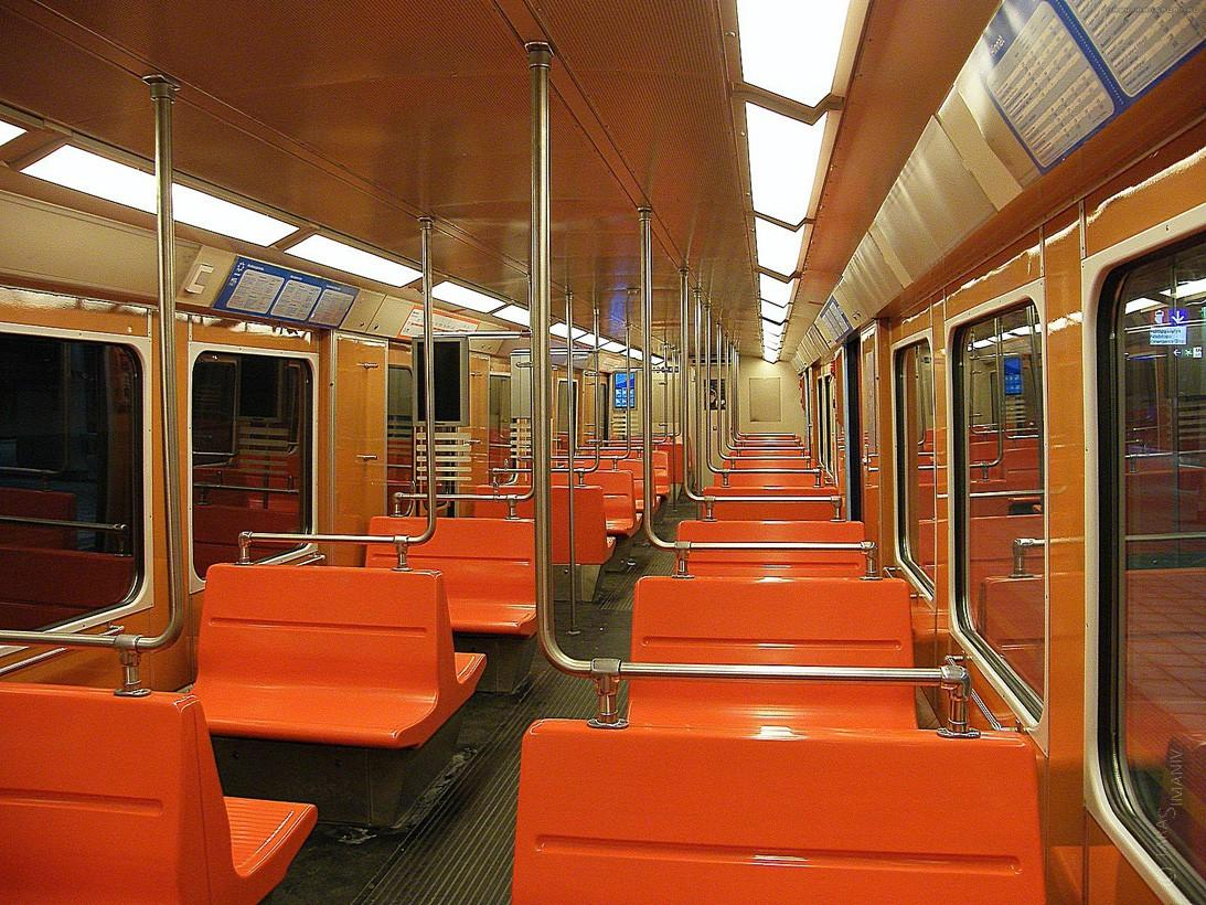 Вагоны метро разных стран и времен