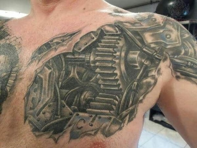 Необычные татуировки в стиле стимпанк