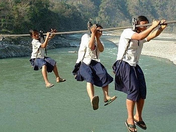 Опасные маршруты школьников в разных странах