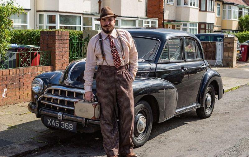 36-летний британец живет в 30-х годах прошлого века