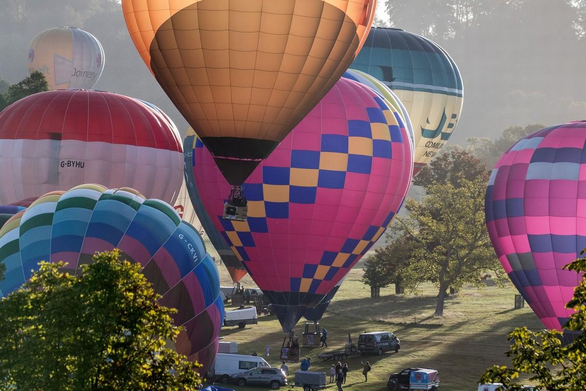 170 воздушных шаров одновременно находились в небе Великобритании