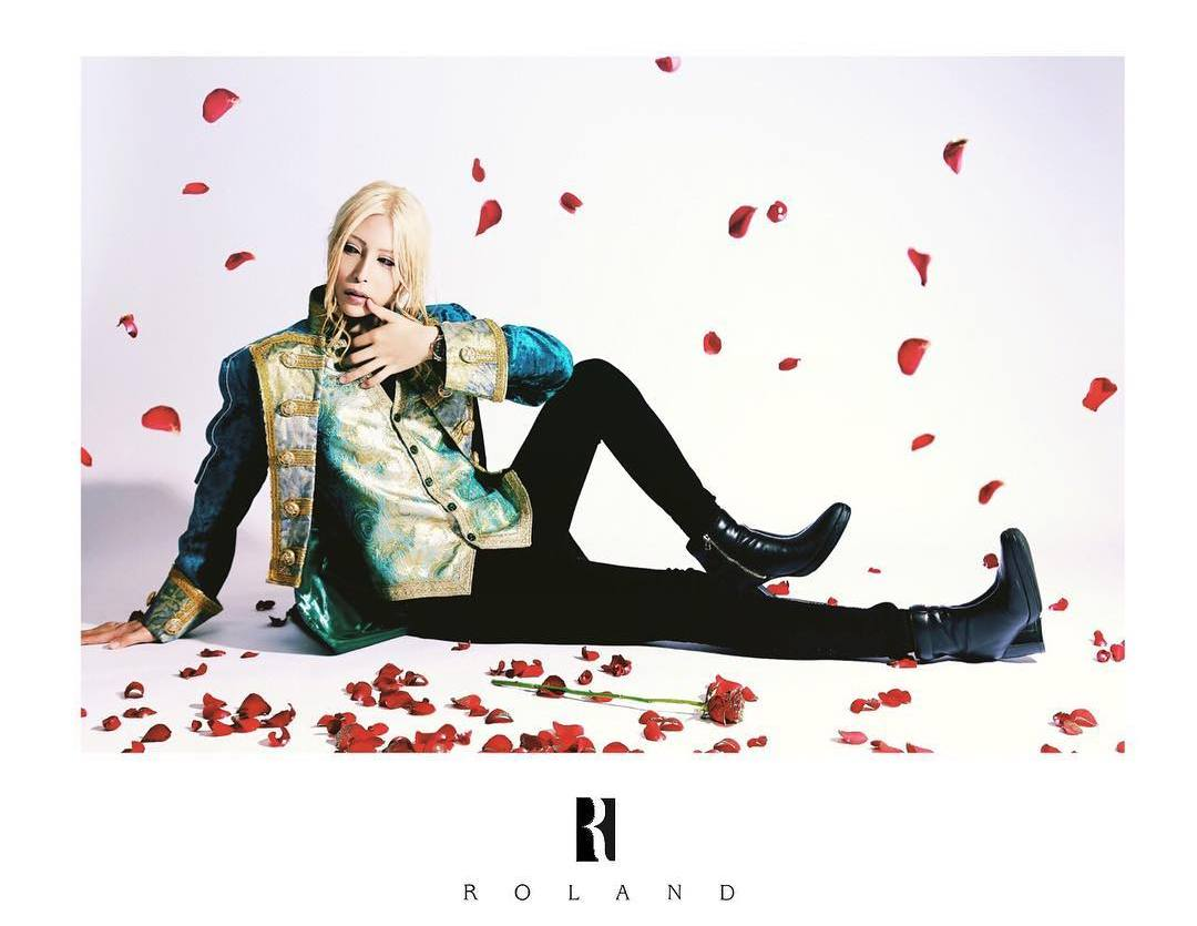 25-летний Роланд — самый востребованный мужчина-гейша