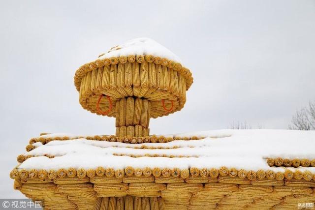 Китайский дом из кукурузных початков