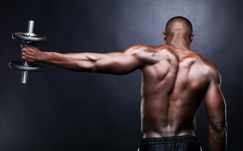 Почему поднимать вес полезно