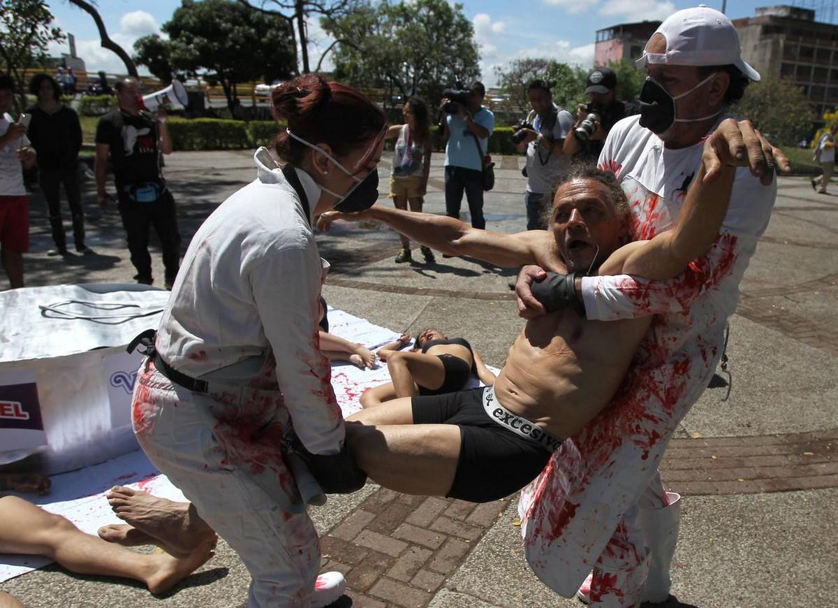 Акция протеста зоозащитников в Колумбии
