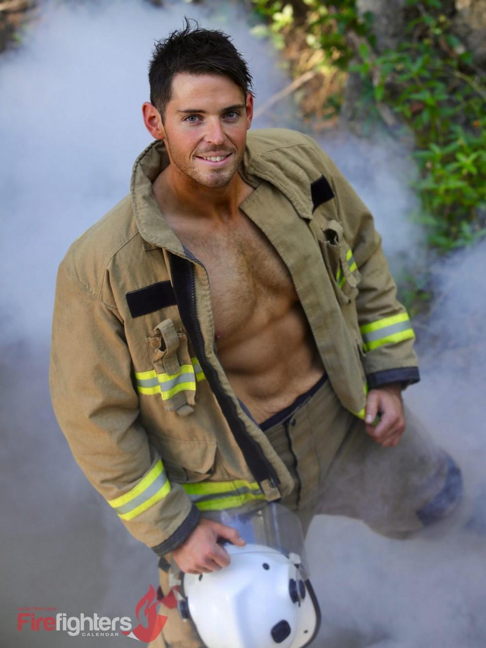 Благотворительный календарь с австралийскими пожарными