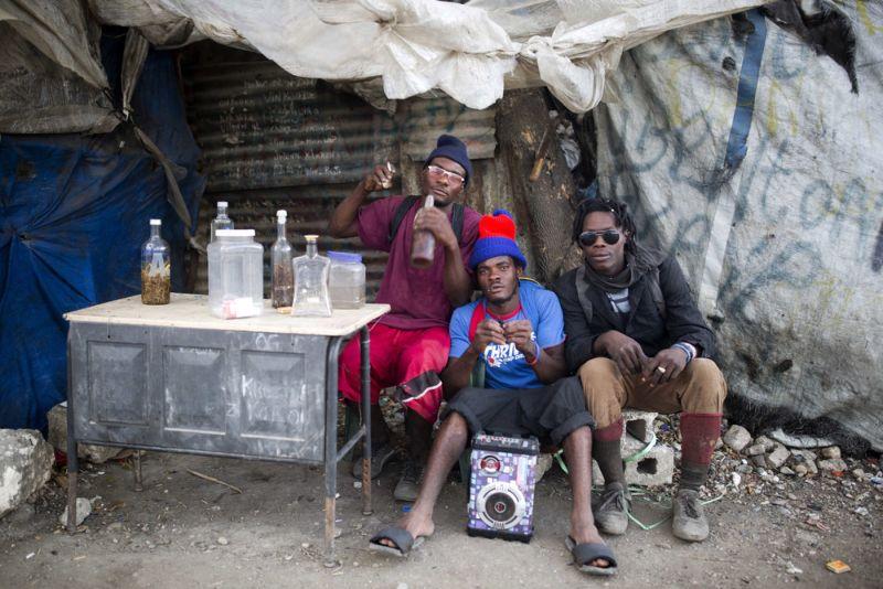 Мусорные полигоны Гаити кормят жителей трущоб