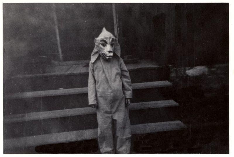 До жути страшные костюмы на Хэллоуин из прошлого