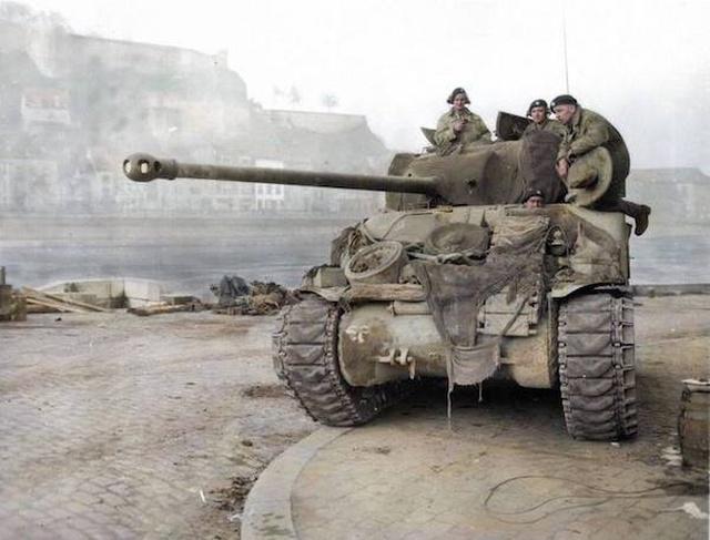 Вторая мировая война на цветных снимках