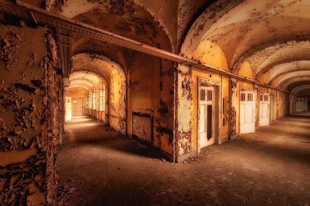 15 красивых заброшенных мест Европы