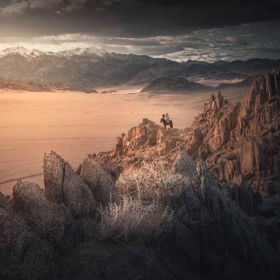 Кочевые пейзажи Монголии на снимках Денниса Хеллвига