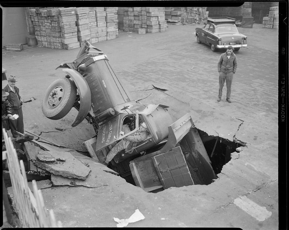 Подборка автомобильных аварий в Америке в 1930—1950 годах