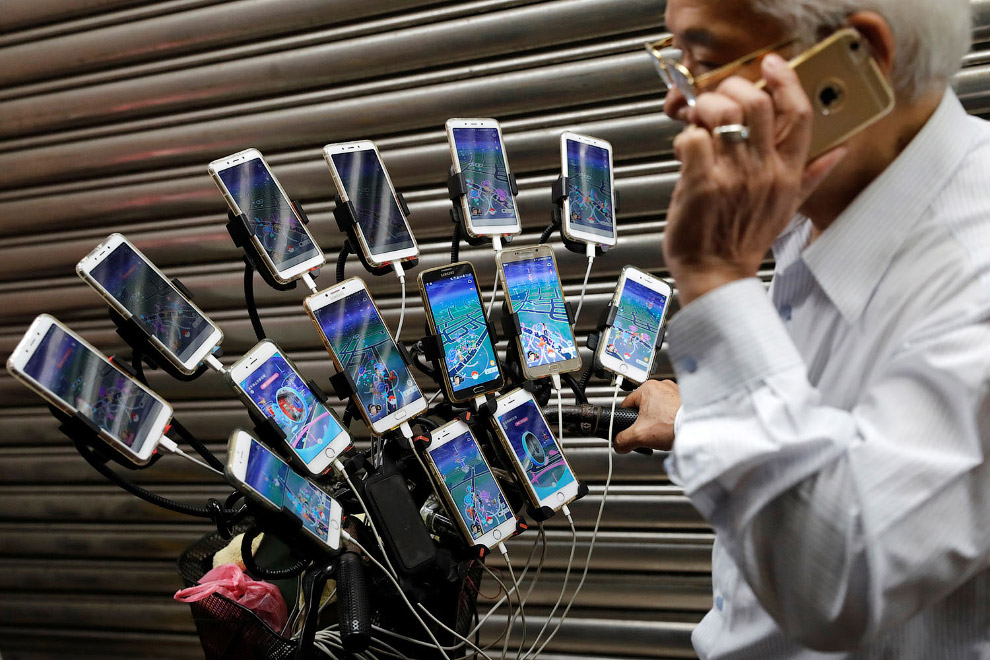 Современная смартфонозависимость в фотографиях