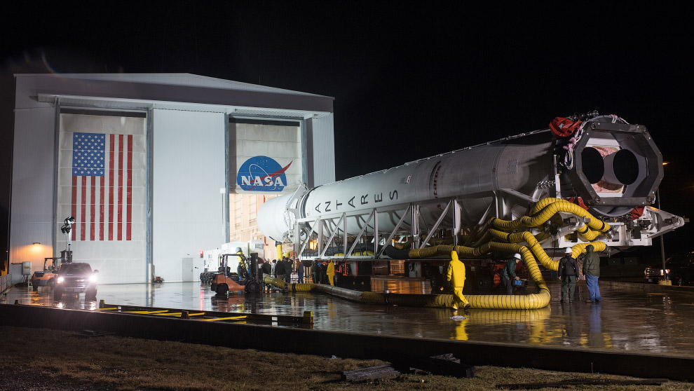 Красивые снимки старта ракеты Antares