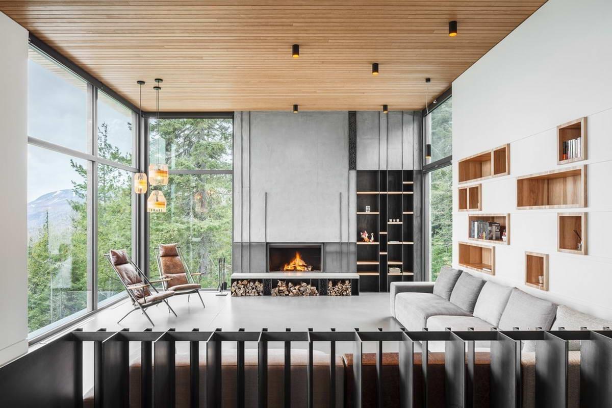Лесной дом на склоне в Канаде