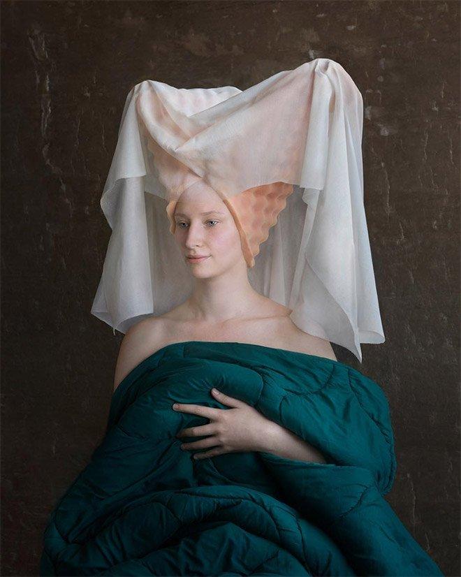 Картины эпохи Возрождения из упаковочного материала