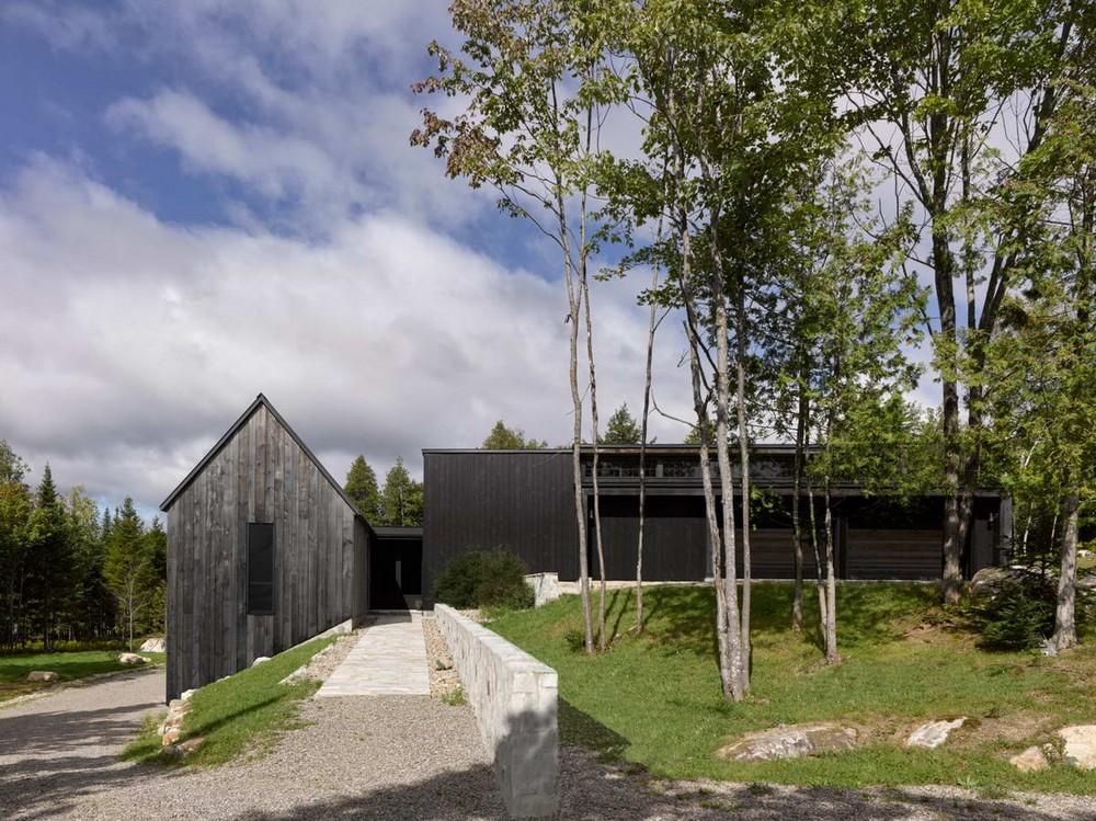 Загородная резиденция у леса в Канаде