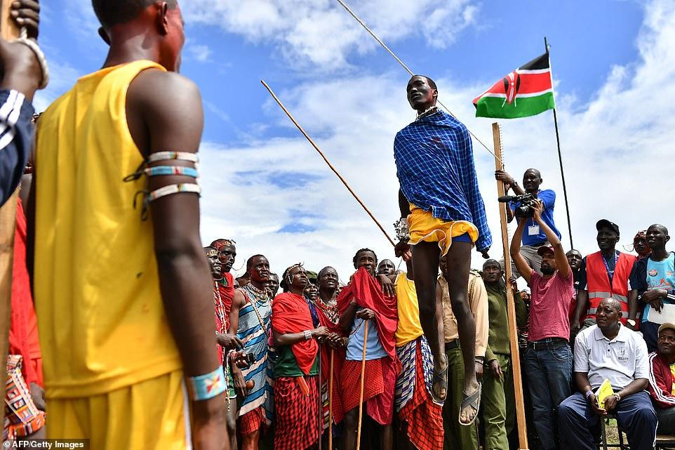 Кенийские воины соревнуются на Масайской Олимпиаде 2018