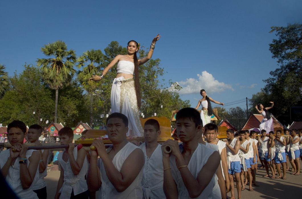 Loykrahhong Fesztivál Thaiföldön