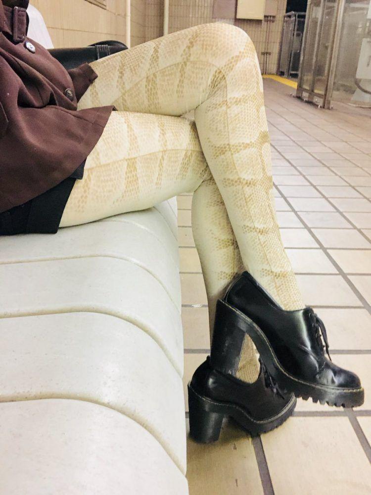 Вместо ног змеи: коллекция омерзительных колготок