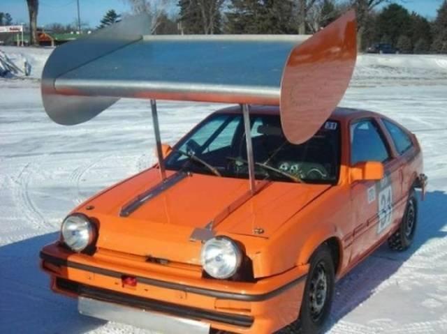Забавные и необычные автомобили на дорогах мира