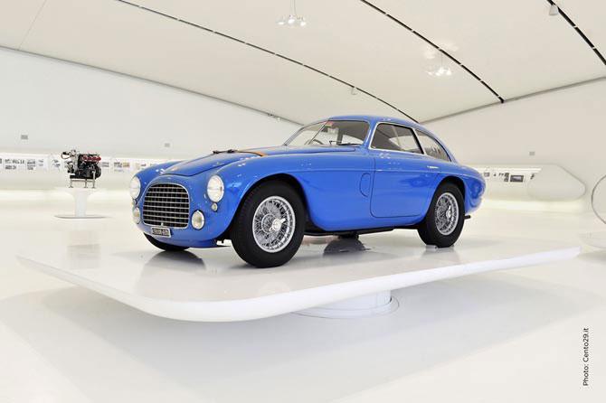 Új Ferrari Múzeum Modenában