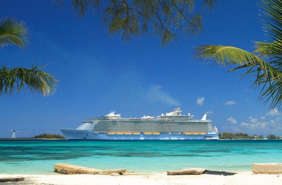Работа мечты - путешествовать на круизном лайнере