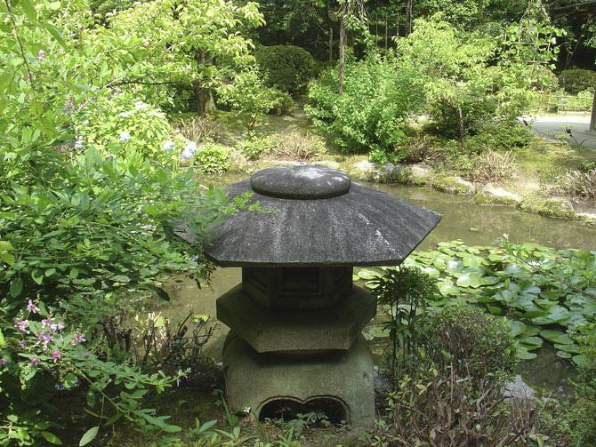 A Heian-jingu templom japán kertjei