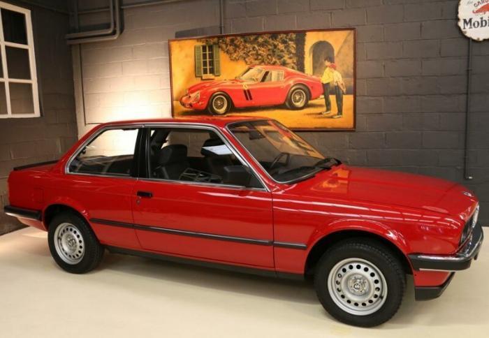 BMW 3 E30 1985 года продают по цене новой тройки