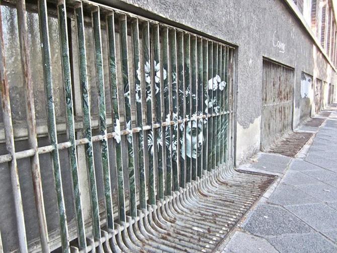 Utcai művészet a korláton Németországban
