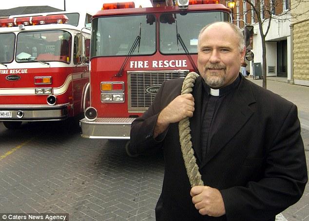 Самый сильный в мире священник