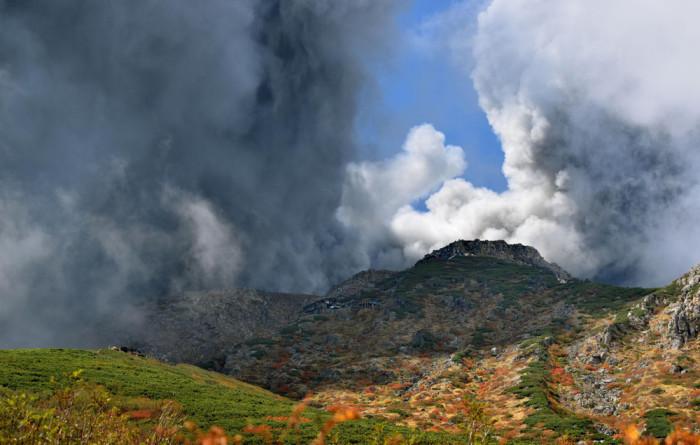 В Японии проснулся вулкан Онтаке