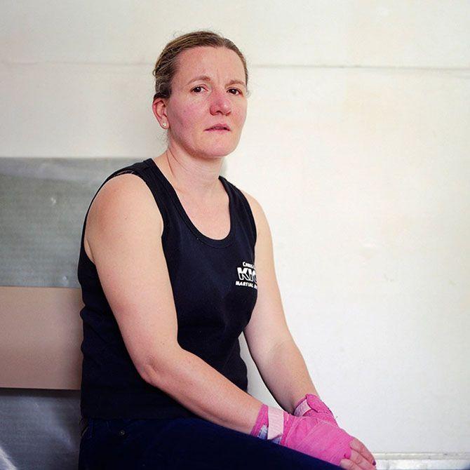 Боевые женщины после матчей по кикбоксингу