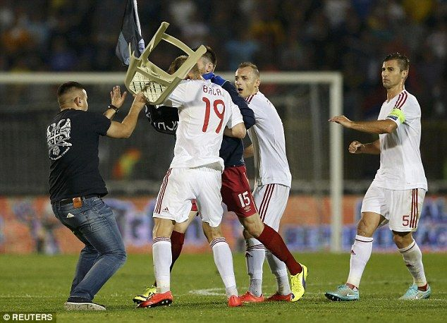 Дрон вызвал беспорядки на матче Сербия - Албания