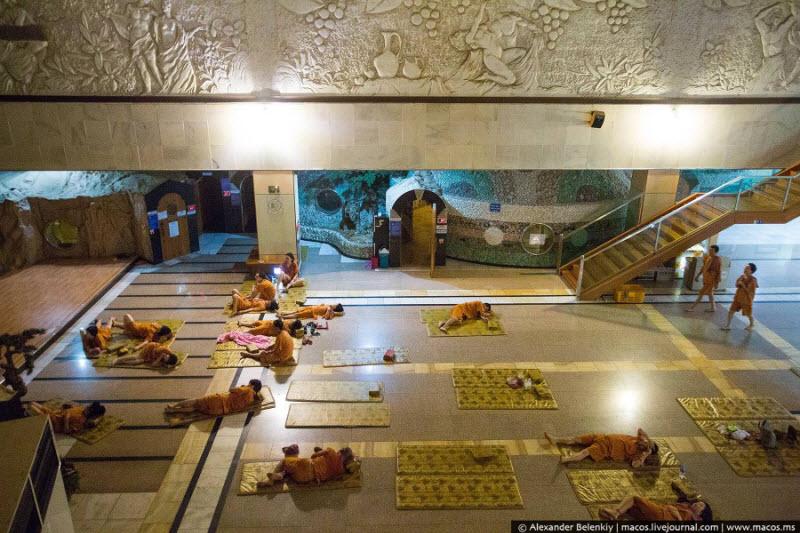 Переночевать в корейской бане