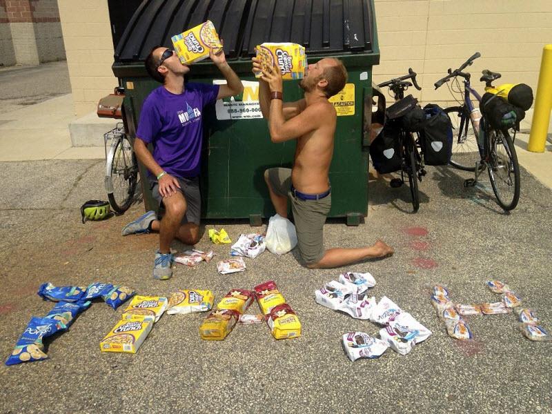Еда из мусорных баков