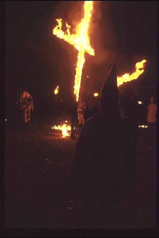 Быт неонацистской группы в США