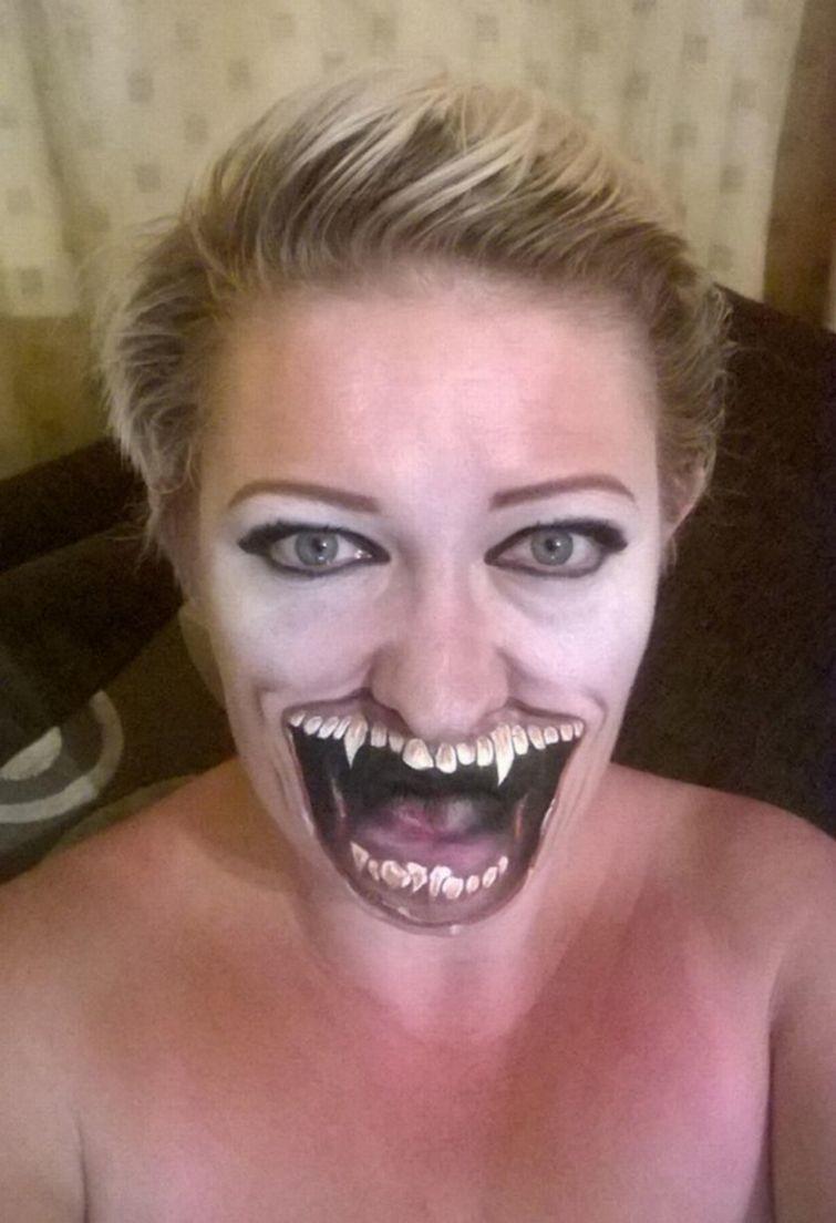 Женщина любит превращаться в демонов