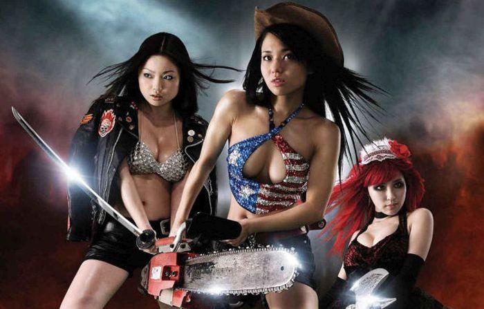 Девушки в костюмах к Хэллоуину