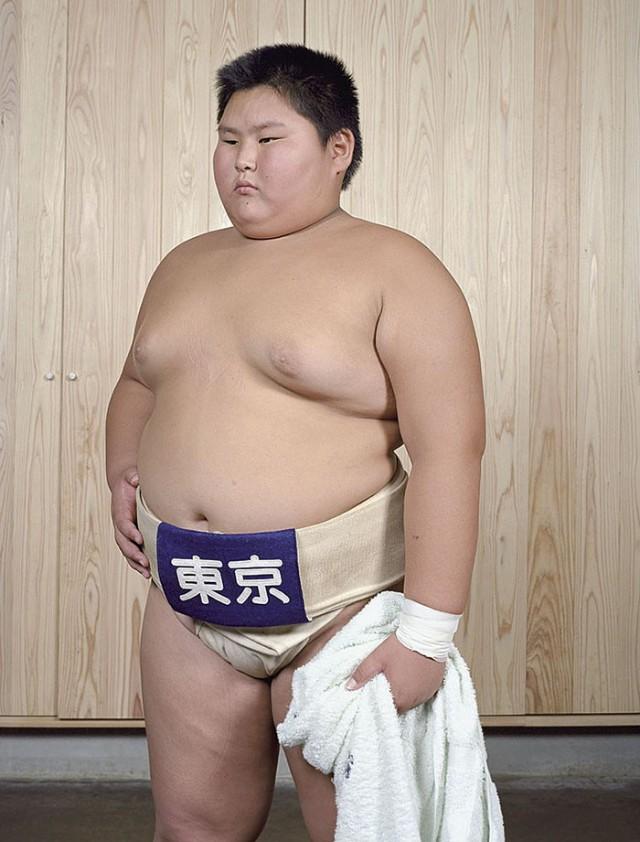 Борцы сумо в самом начале своей карьеры