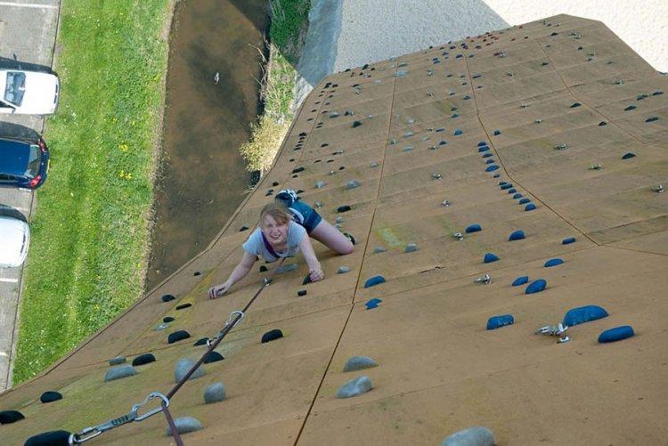 Стена Excalibur для скалолазания