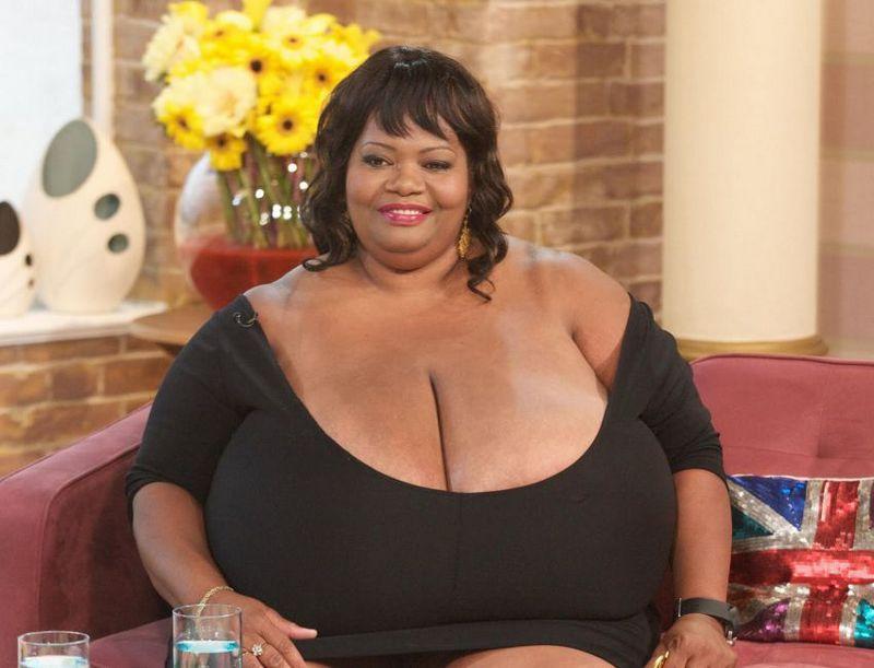 Девушки с самой большой грудью