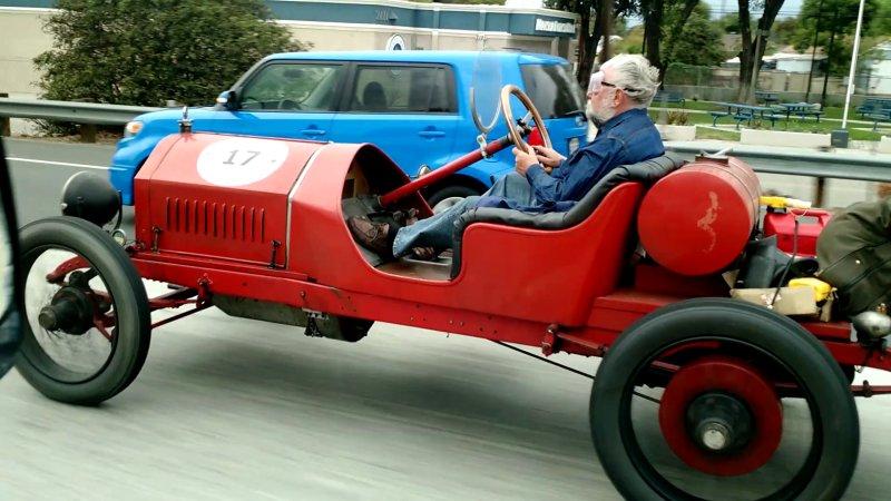 Гоночный автомобиль 1915 года выпуска