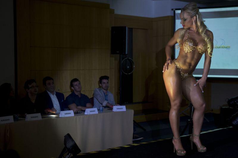 Попки победительниц конкурса Miss Bumbum 2014