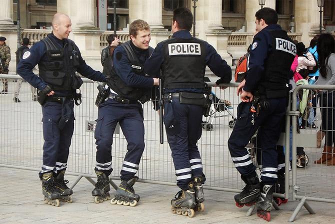 Необычный транспорт полиции в разных странах