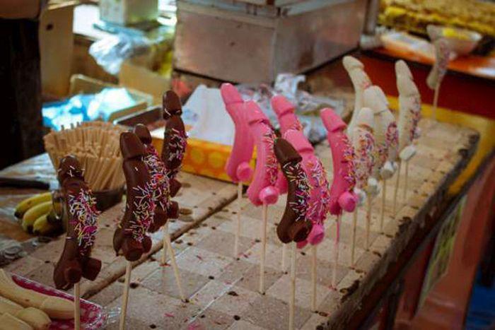 Канамара-мацури или Фестиваль железных пенисов
