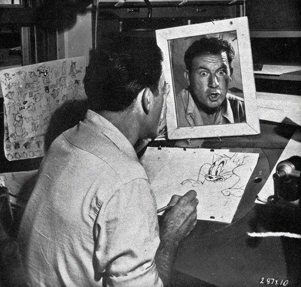 Диснеевские мультипликаторы смотрятся в зеркало