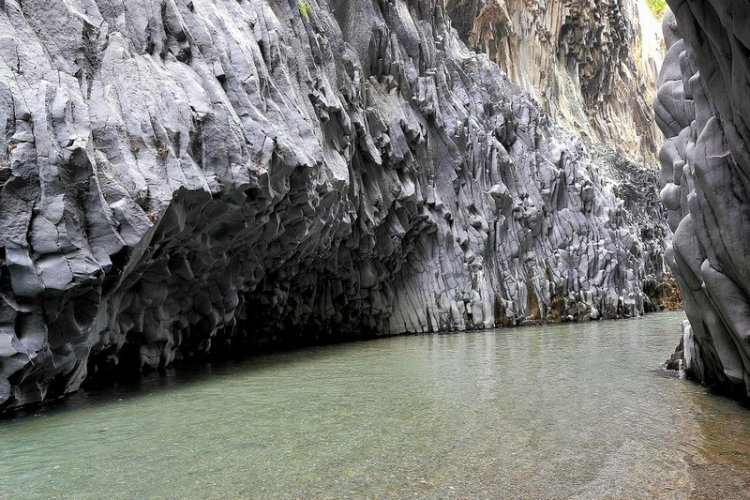 Ущелье Алькантара в Сицилии