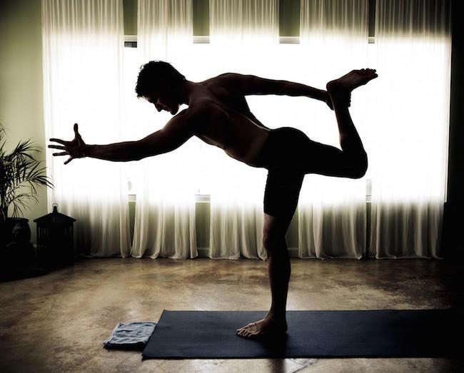 Йога в мужском исполнении